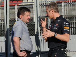 """Paul Hembery: """"La duración de los Pirelli va a ser clave en el G.P de Australia 2012"""""""
